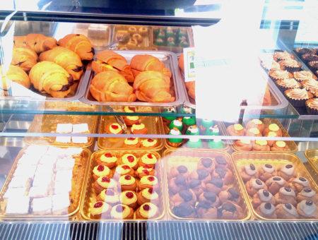 Pasticceria Bellavia all'Arenella: pasticceria, cornetti e rustici senza glutine